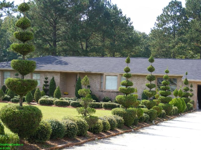 A taste of heaven at pearl friar s topiary garden for Landscaping rocks myrtle beach