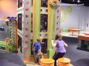 Children test their strength Discovery Science Museum